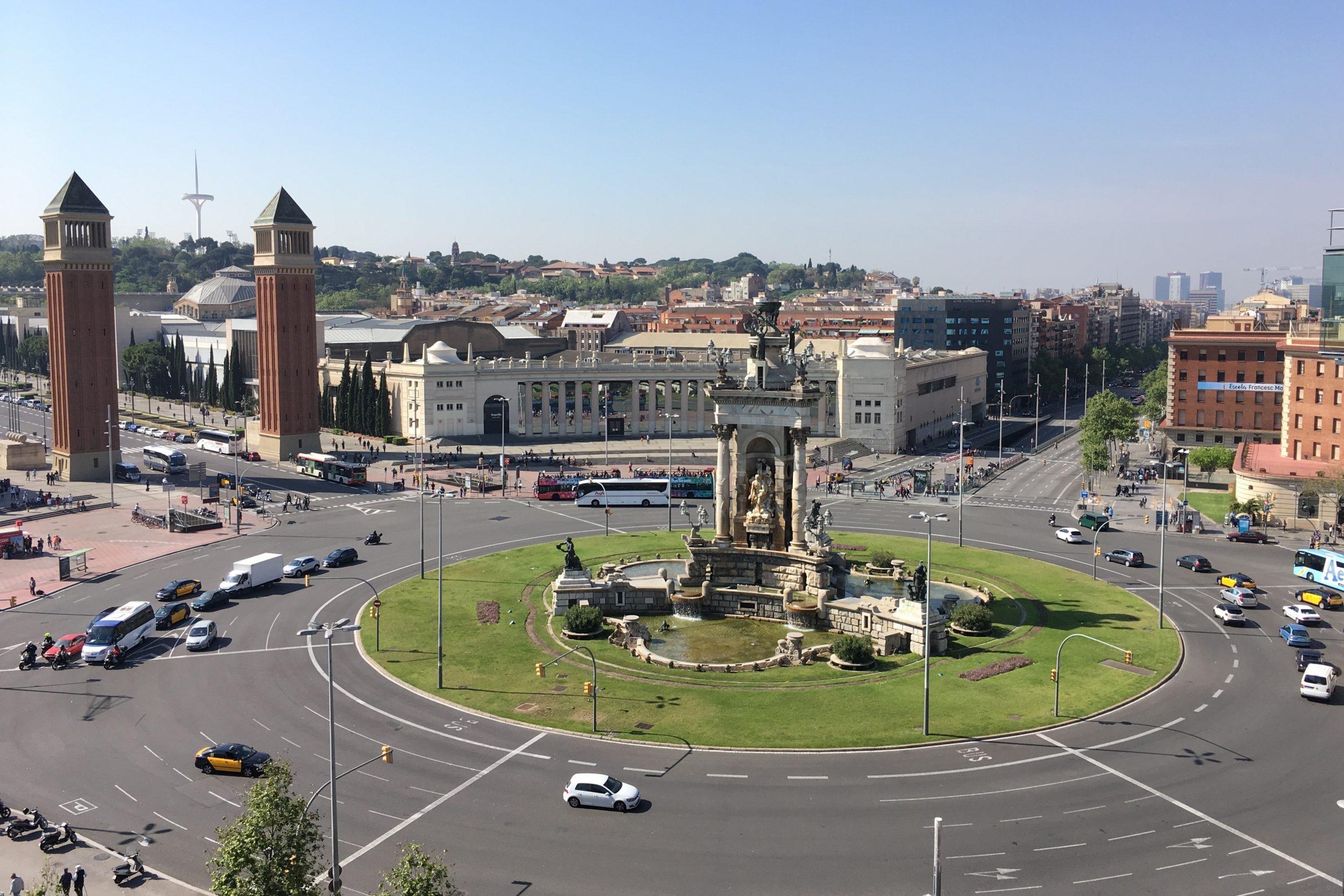 Uitzicht op Plaça d'Espanya van op het dak van Las Arenas
