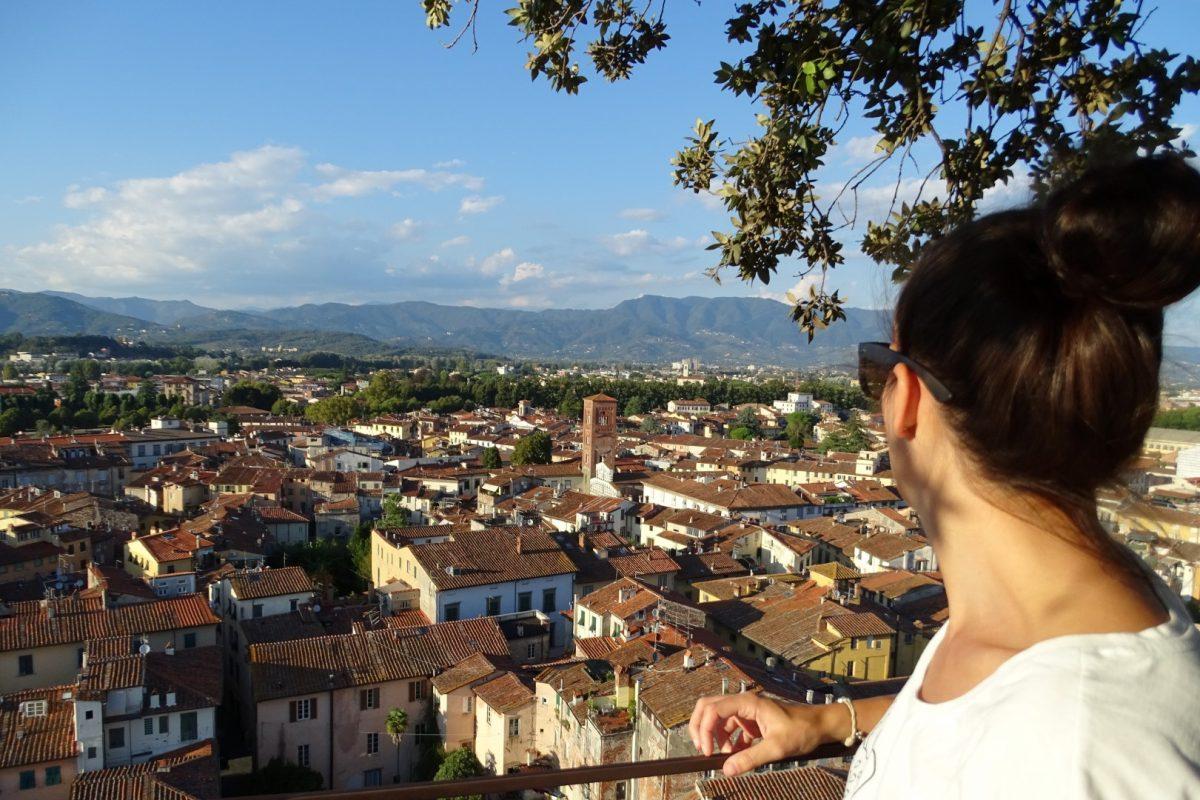 Uitzicht van op Torre Guinigi Lucca