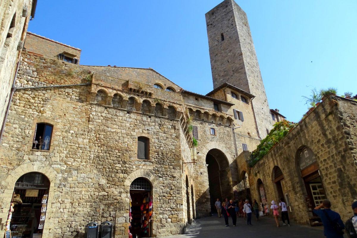 Een van de vele torens in San Gimignano