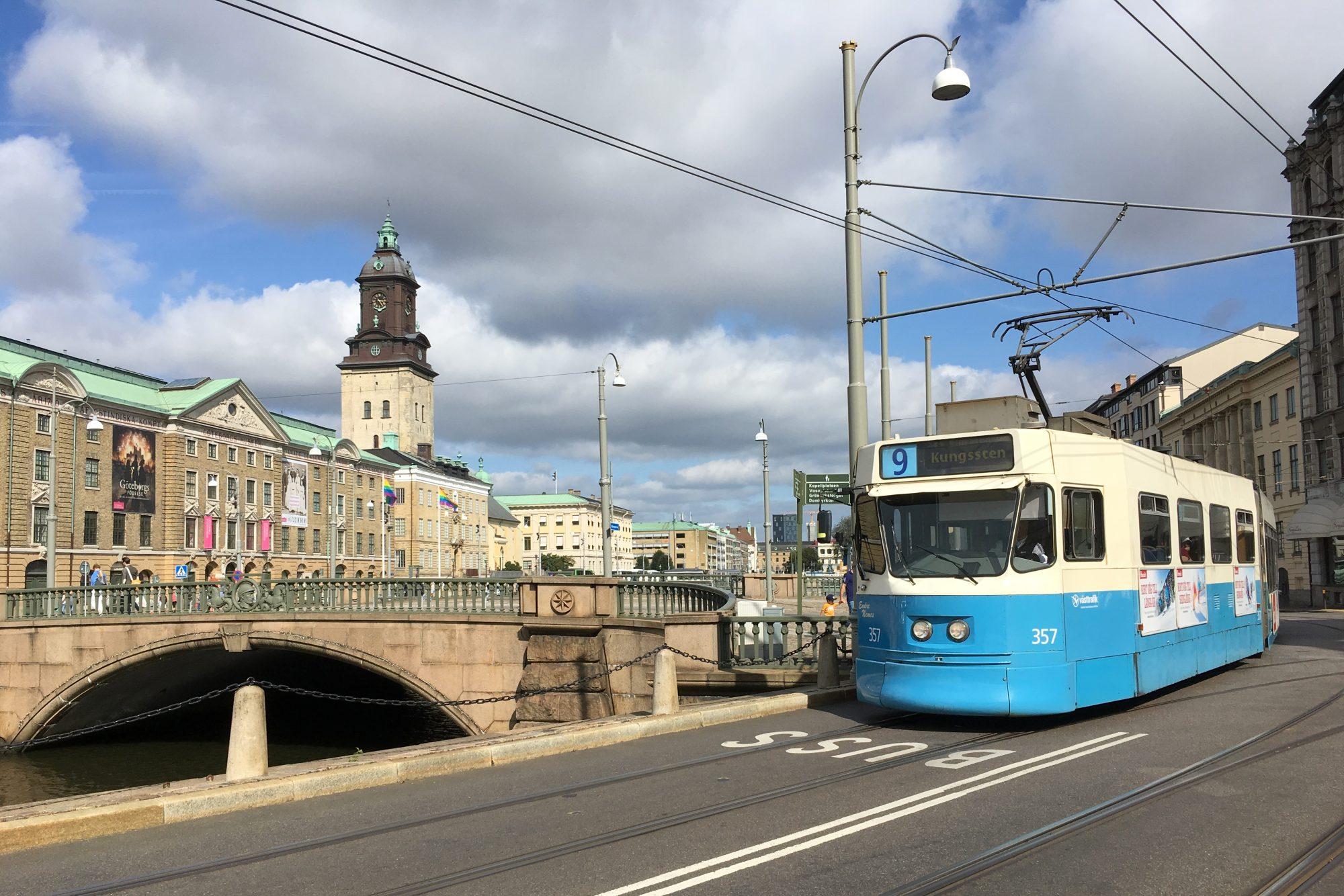 De blauw-witte trams waarvoor Göteborg bekend staat
