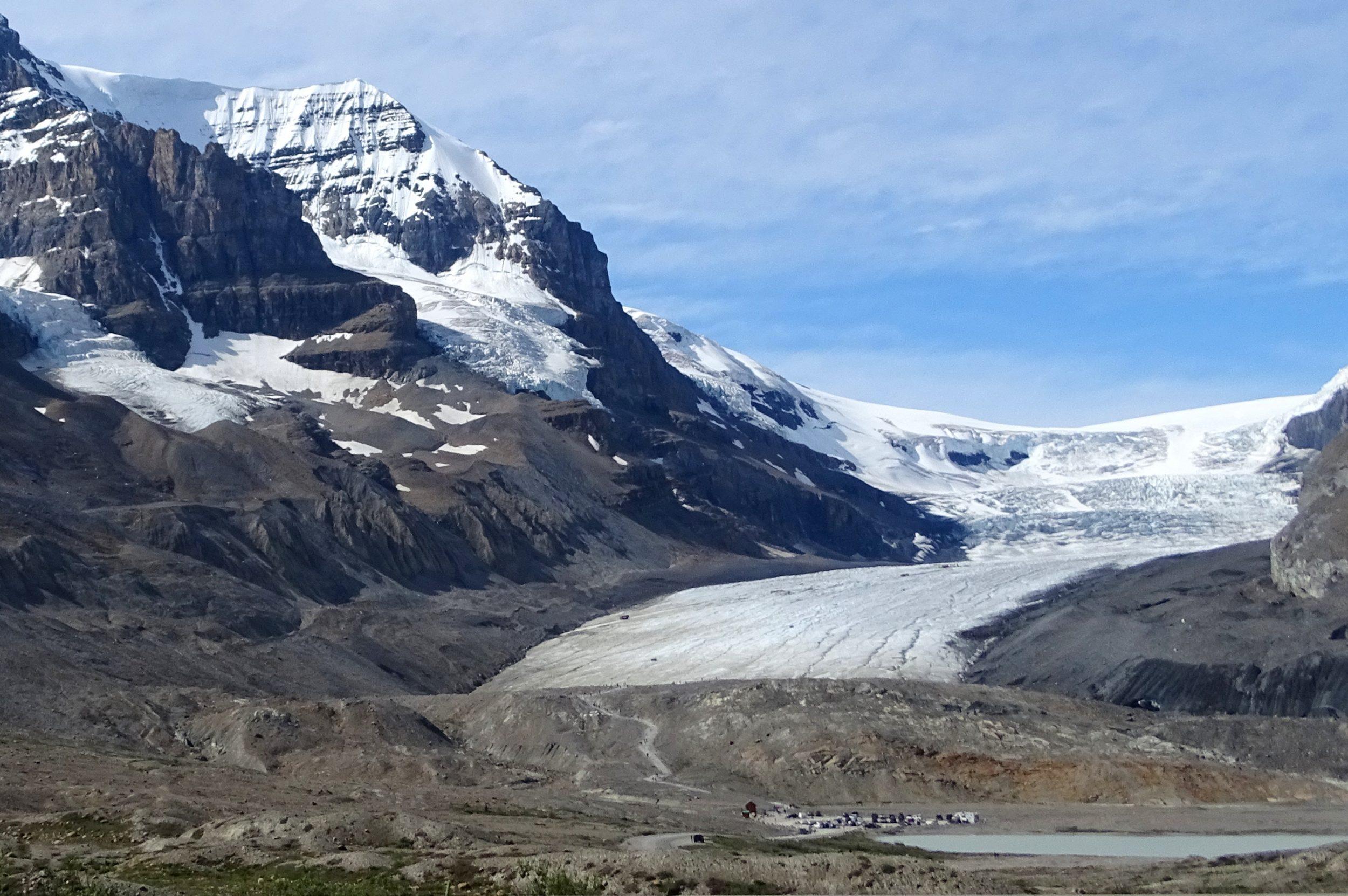 Athabasca-gletsjer in de verte