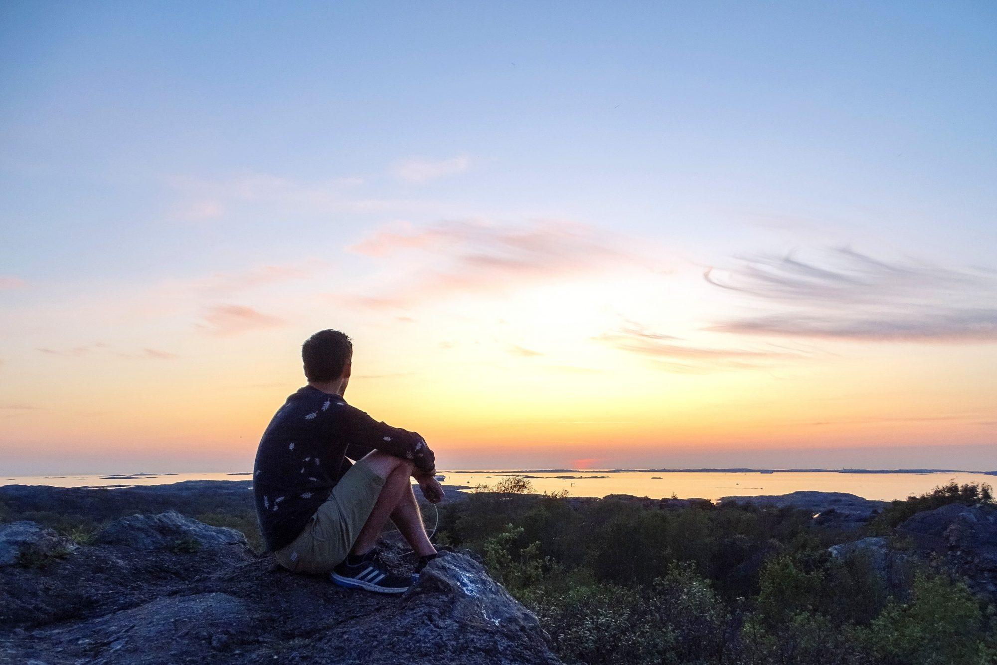 Zonsondergang op Bränno