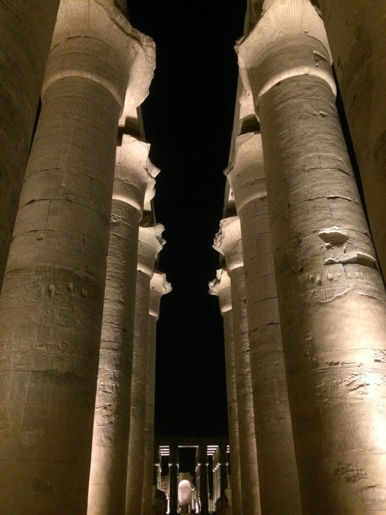 Luxortemplet by night