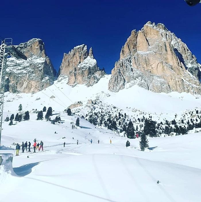 Klipper og sne i Dolomitterne