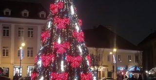 Juletræ med sløjfer i Vilnius