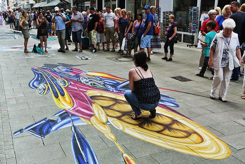 3d-streetart-3d-streetpainting-wilhelmshaven-internationales-street-art-festival-2014-7