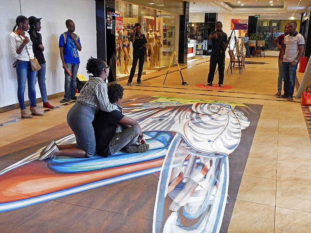 3d-streetpainting-3d-flying-safari-remko-van-schaik-3d-street-art-festival-wall-2-Mall-nairobi-kenya-4