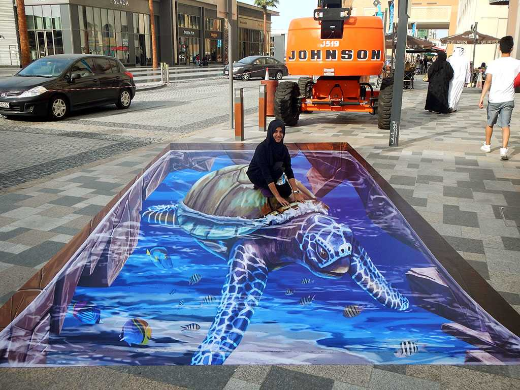 3d-streetpainting-3d-turtle-2-remko-van-schaik-3d-streetart-festival-dubai-canvas-2016-2