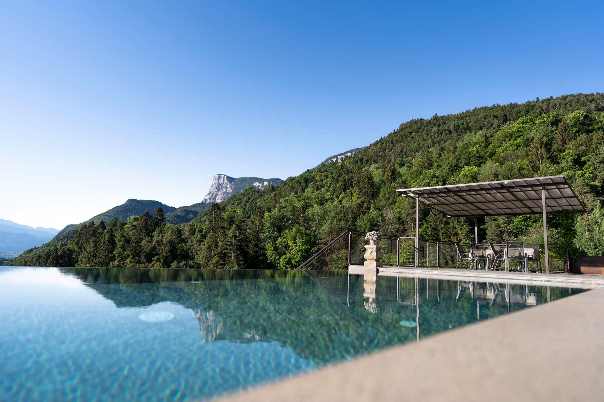 Hotel-Wehrburg-Schwimmbad-017