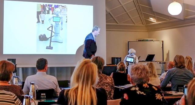 DRF Seminar 2018: Intelligent rengøring og robotter