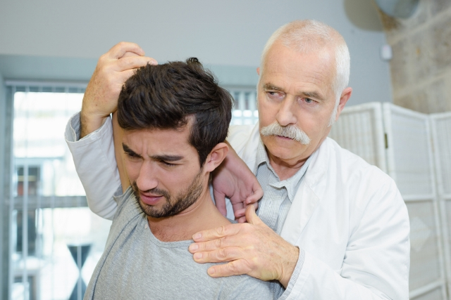 Finsk lægestudie: Træning lige så godt som operation ved skuldersmerter