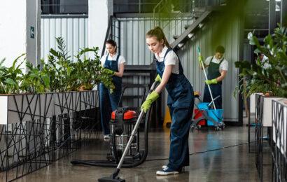 SBA ekskluderer to virksomheder for brud på servicenormen