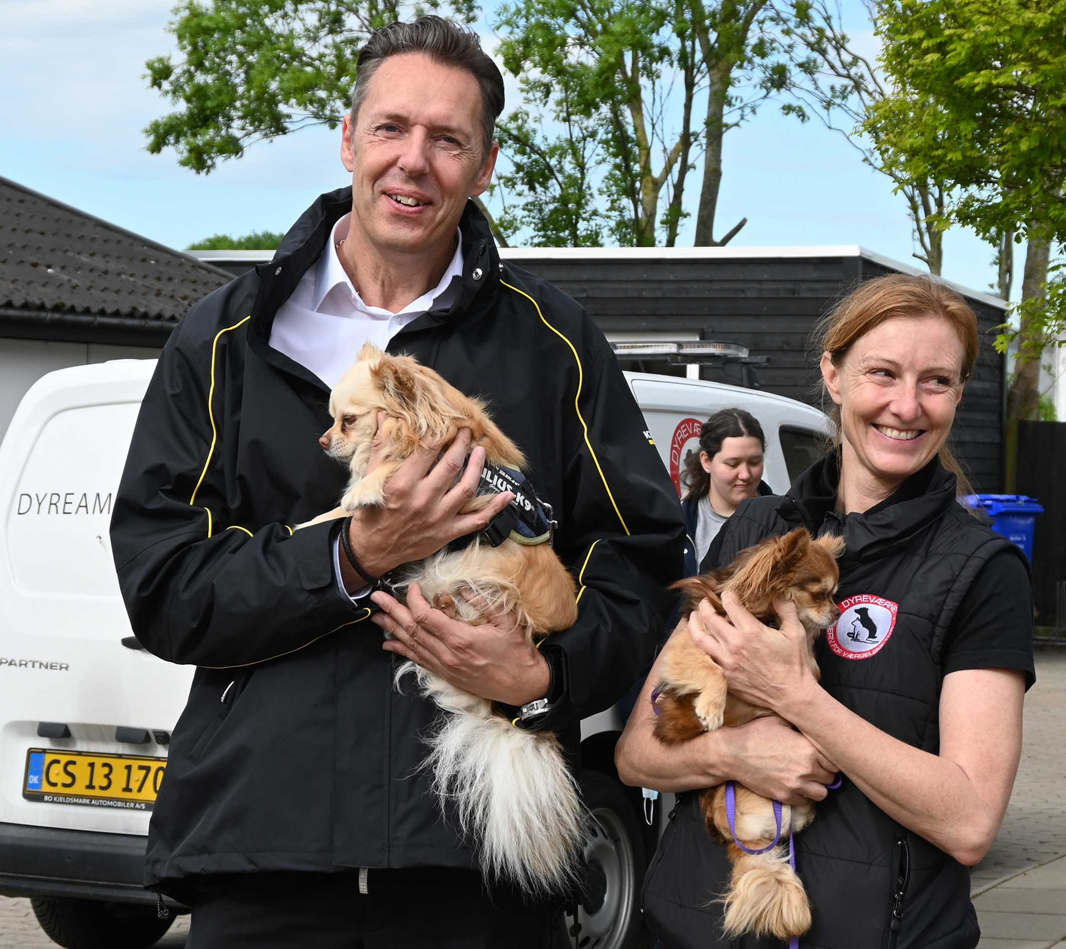Hundene logrede – Deres hjem stod funklende rent!