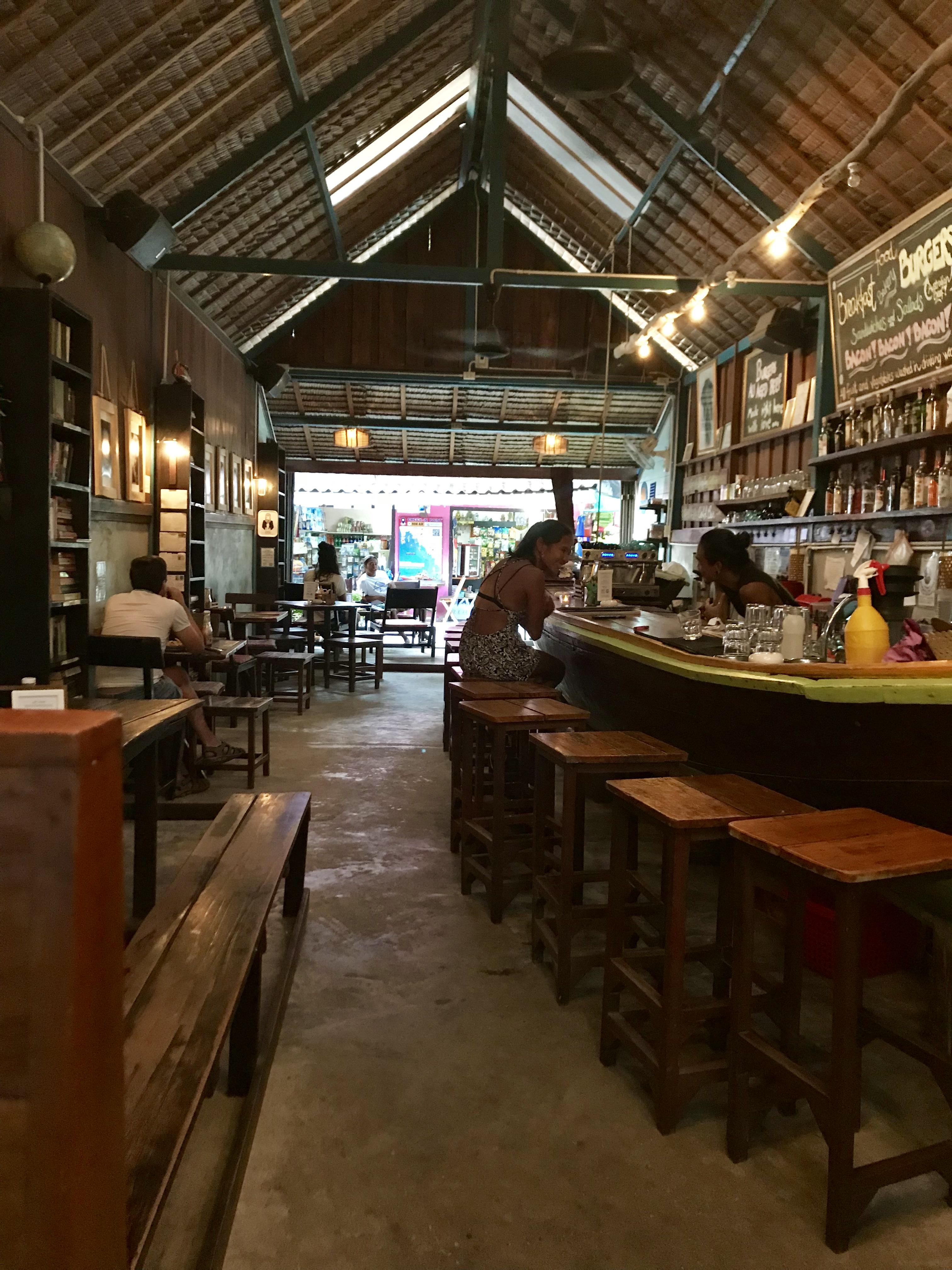 Bild inifrån Elephant Restaurant, Koh Lipe.