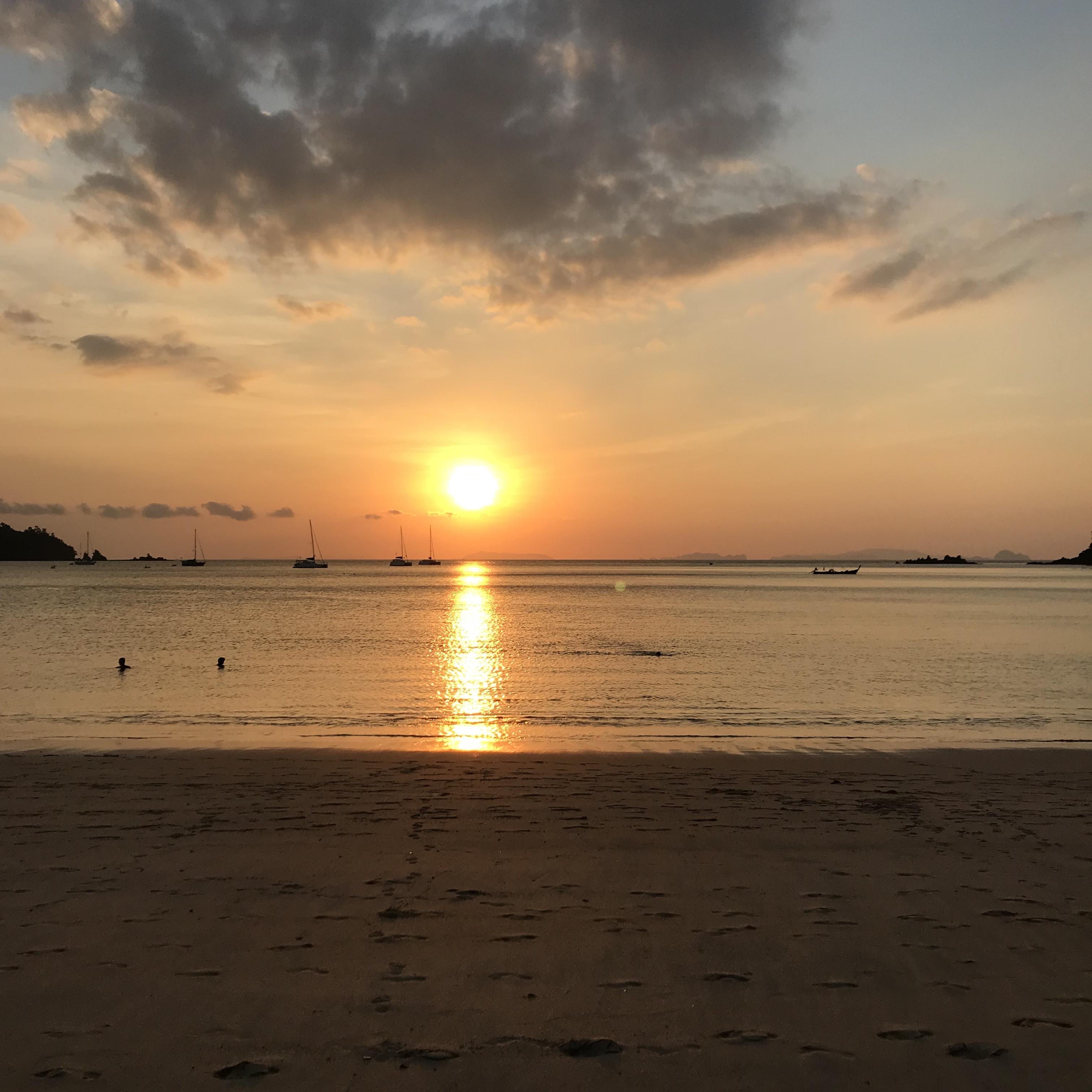 Solnedgång på Ao Khao Kwai, Koh Phayam.