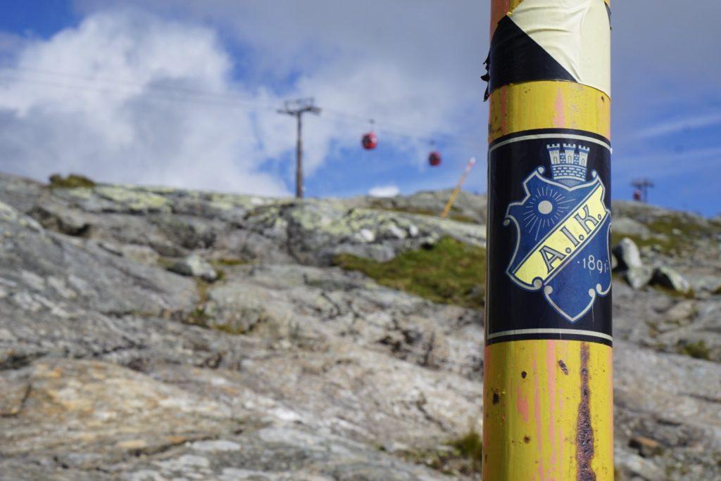 AIK-märke på Åreskutan.