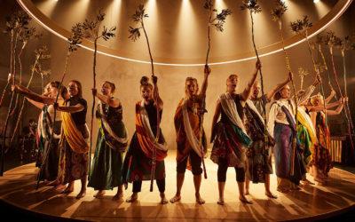 Det 2500 år gamle teaterstykke 'De asylsøgende kvinder' stiller de samme spørgsmål om retten til asyl, som vi gør i dag