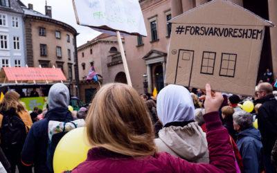 """Sammen i kampen mod """"ghettoplanen""""  – bevægelsen Almen Modstand stod i weekenden bag kæmpe demonstrationer landet over"""