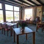 In Restaurant de Schelde staan de tafels ruim uit elkaar om genoeg afstand te kunnen bewaren