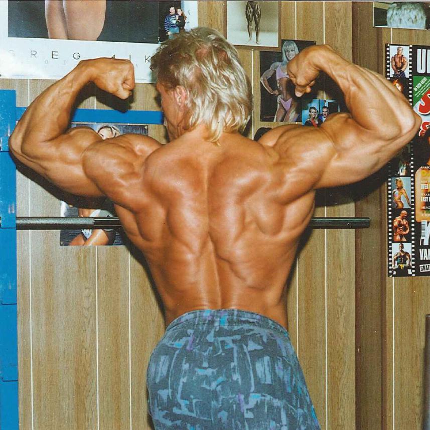 Retro Gym's Ejer - Kurt Pedersen (ryg)