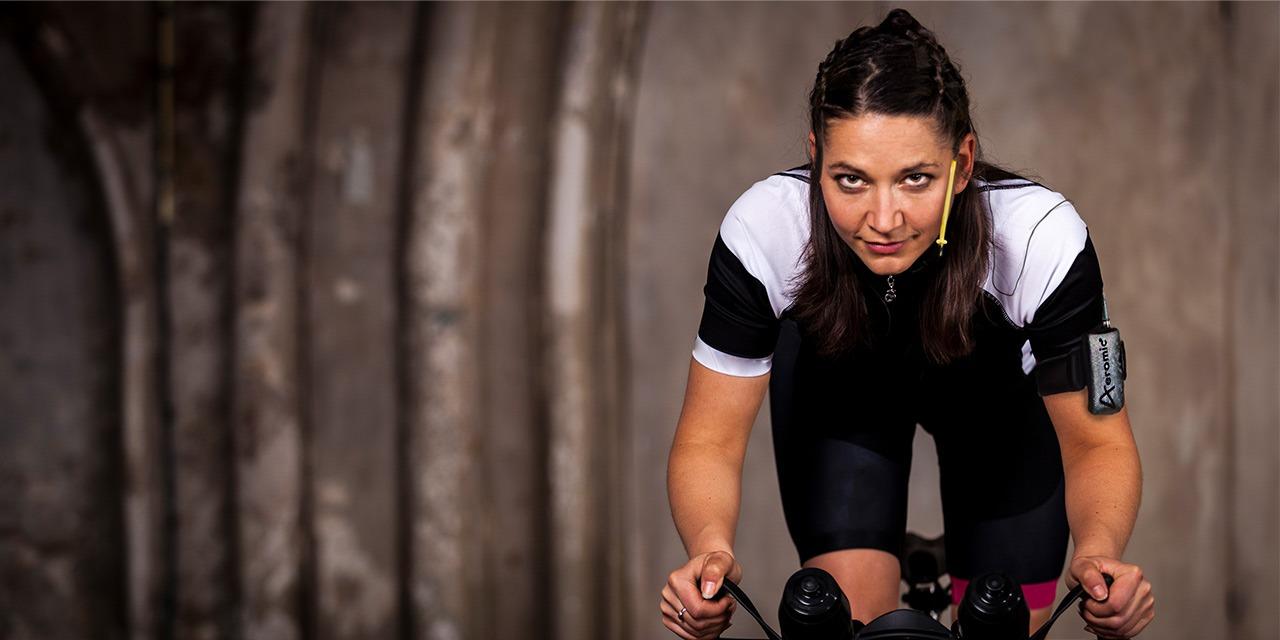 Girl cyclemic cycling