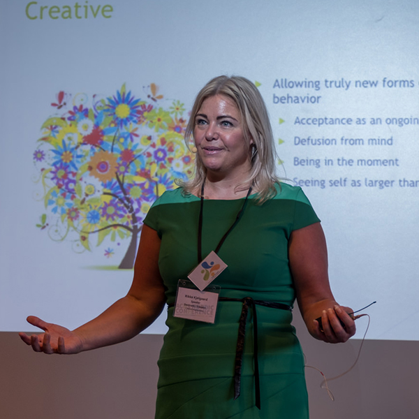 Rikke Kjelgaard - foredragsholder og ekspert i ACT