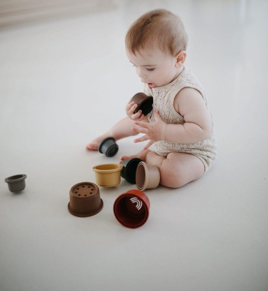 Stacking cups Mushie retro - Rima Baby