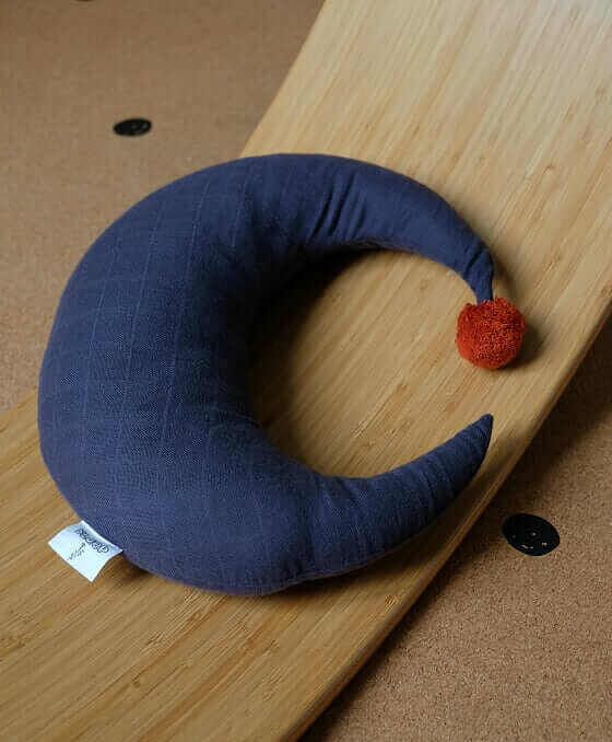 Slaep maankussen S - donkerblauw - Rima Baby