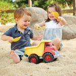 Green Toys dumpwagen in zand - Rima Baby