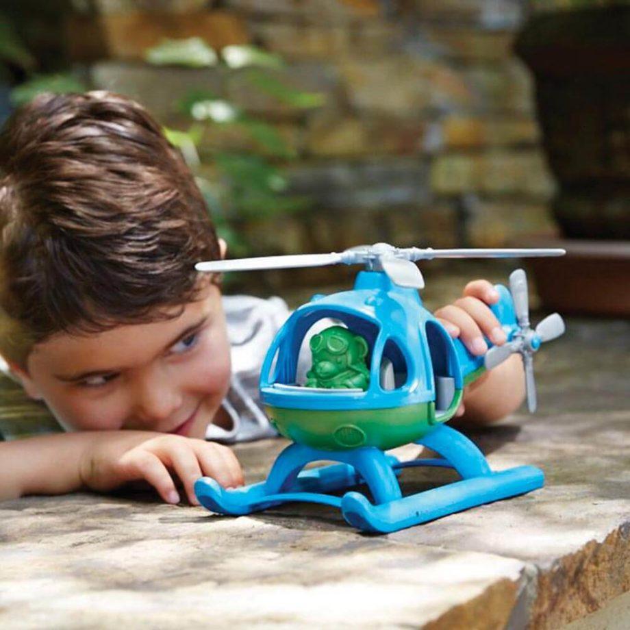 Green Toys helikopter blauw spelen 2 - Rima Baby