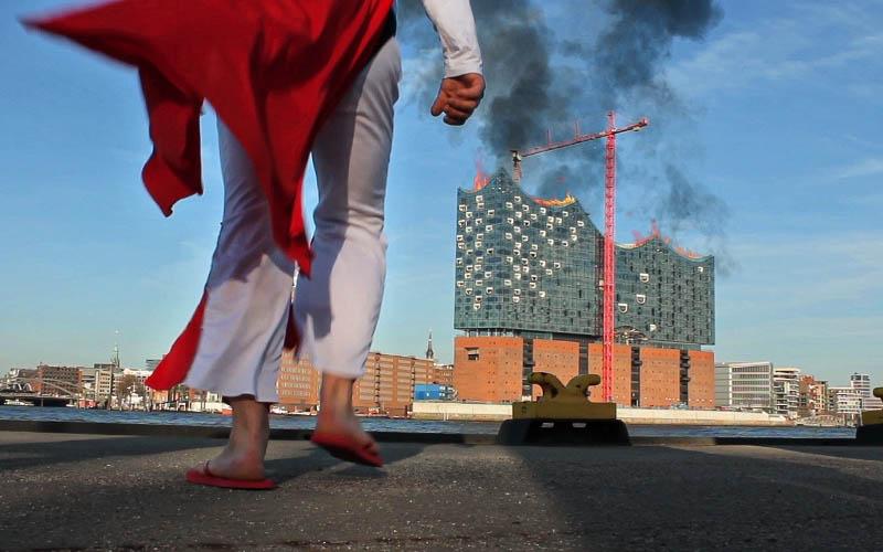 Die Elbphilharmonie brennt