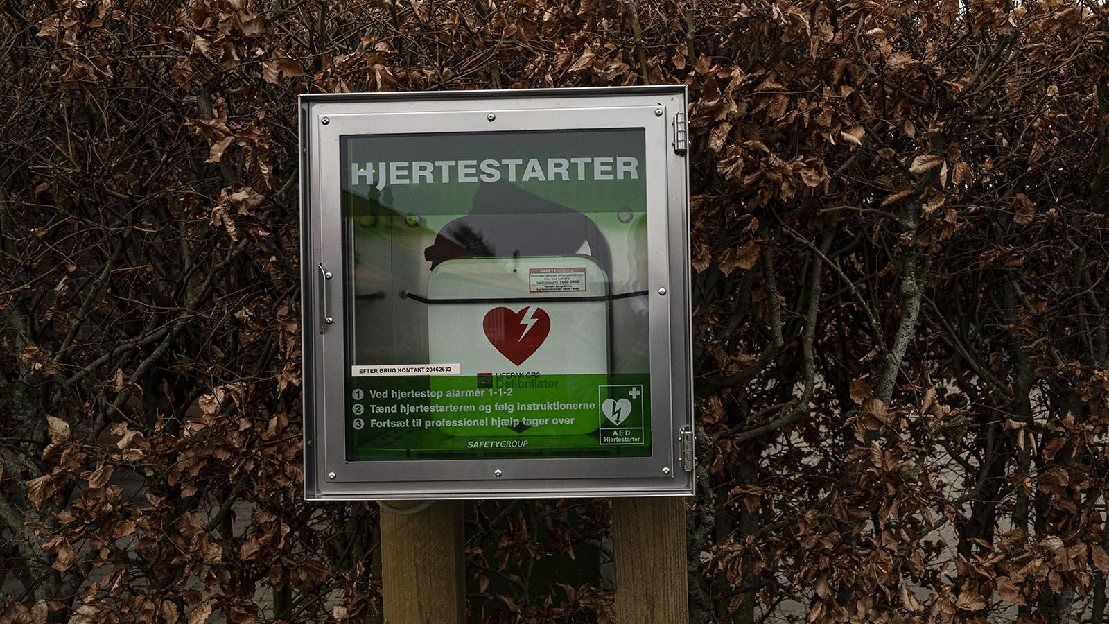 Hjertestarter opsat i Roedbyhoejen.