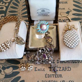 Gouden sieraden antiek