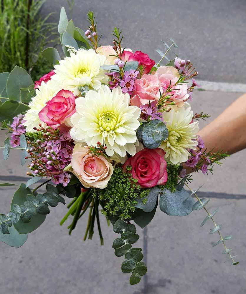 Rosenwalzer Hochzeitsfloristik