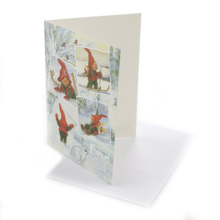 Dubbelt julkort där framsidan visas här. Glada tomtar som leker i snön