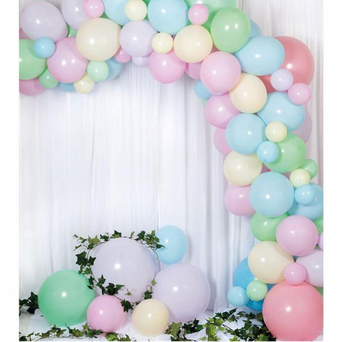 Ballong Arch pastel En båge med pastelllfärger ljusblå, rosa, grön, gul, lila ballonger
