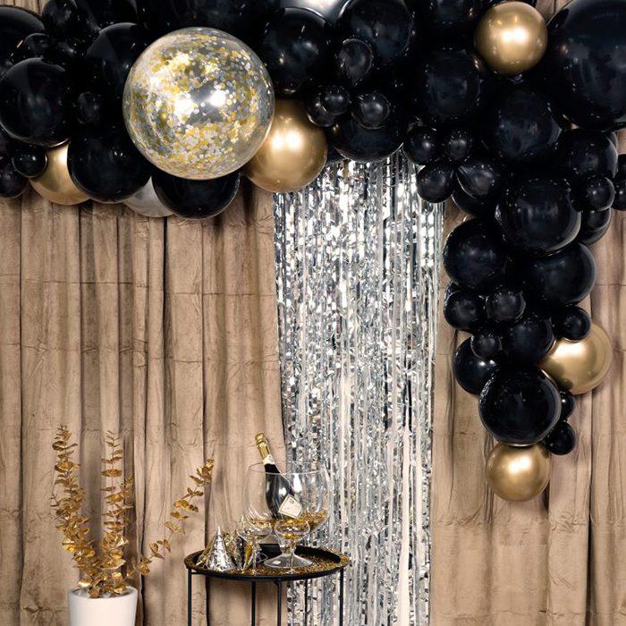 Ballong Arch Black and gold En båge med blå och guld ballonger