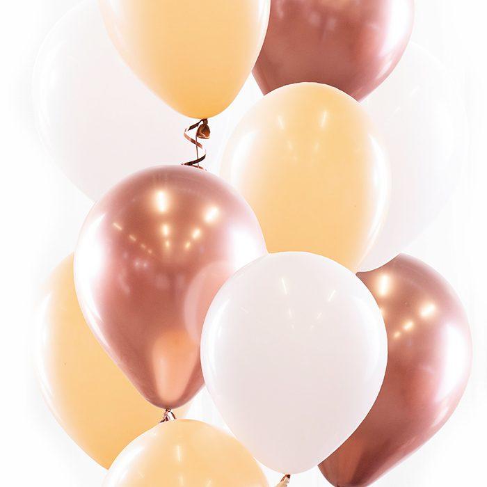 Ballongbukett Blush Ett fång av vita, cremefärgade och guldrosefärgade ballonger