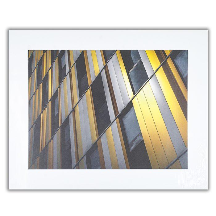 Yellow wall Fotograf: Gilbert Claes En närbild på en modern fasad i gult och grått