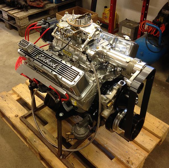 Chevrolet 383 med Weiand 144 kompressor