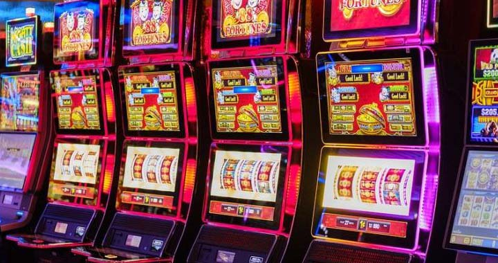 Slot machines at casinos in Toronto