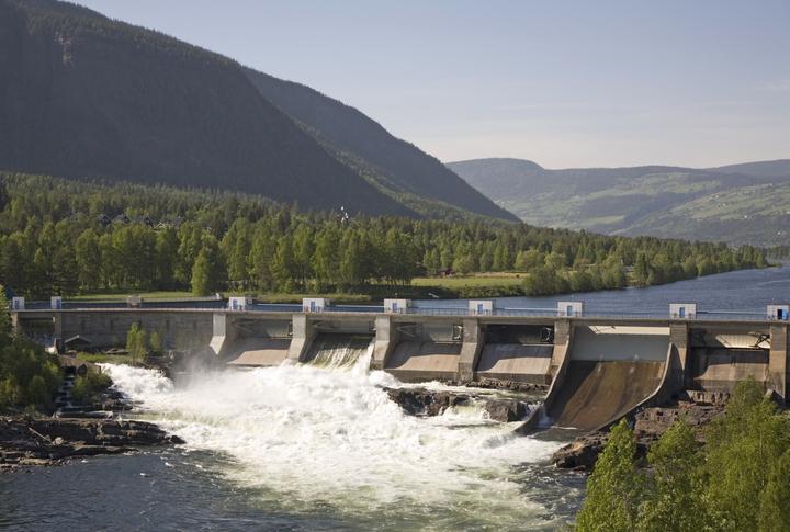 Vannkraft ikke så utslippsfritt som antatt