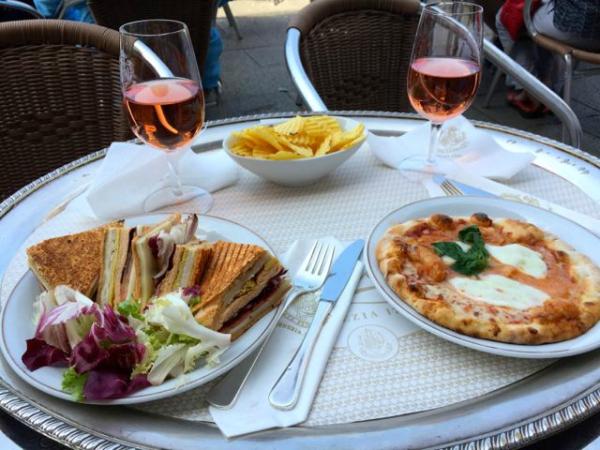 Lunsj på Caffe Florian, Venezia