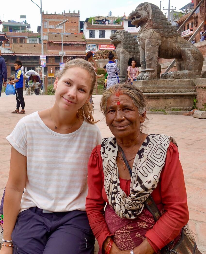 Vi blir kjent med mange av nepals befolkning.