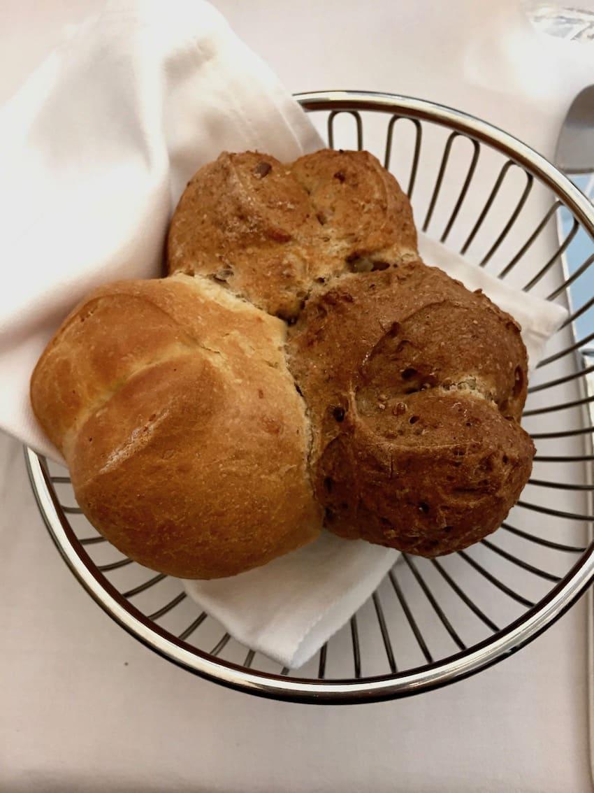 Brød med tre forskjellige kortyper