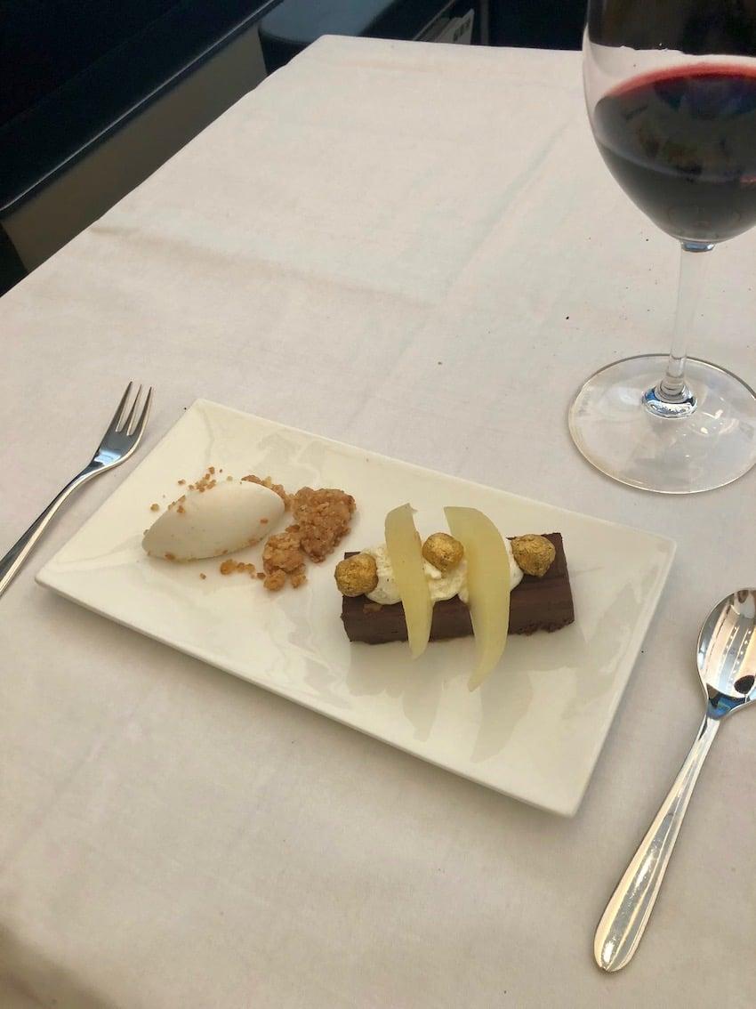 Smakfulle desserter, Anmeldelse: Swiss First Class fra Zurich til Dubai