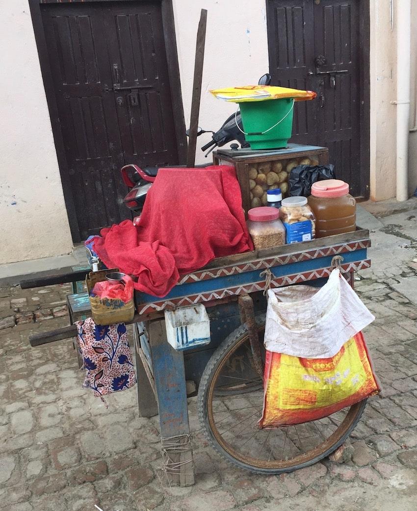 Salgsvogn av mat, Bungamati