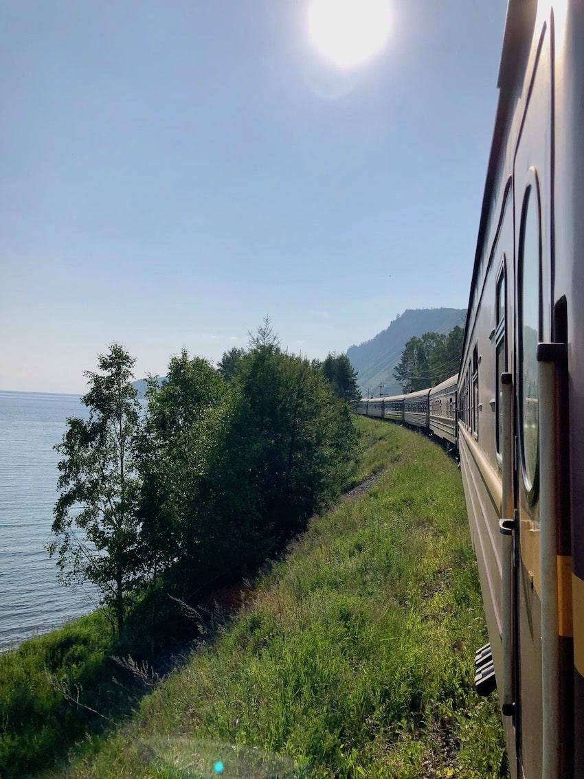Langs Bajkalsjøen med Zarengold. Transsibirske jernbane.