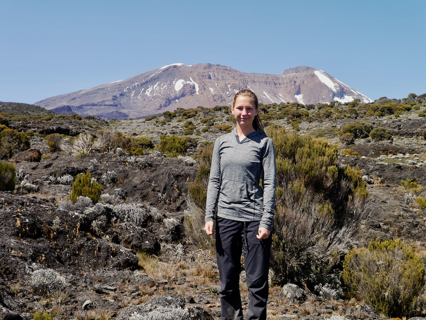 Kilimanjaro i bakgrunnen