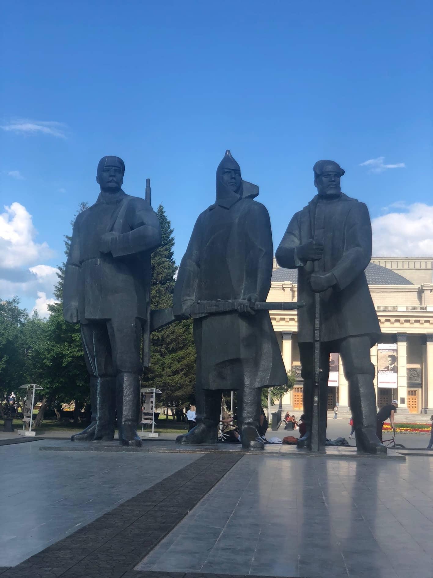 Statuer foran operahuset